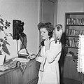 Dierenarts Smit te Rotterdam heeft eerste mobilofooninstallatie, Bestanddeelnr 910-8466.jpg