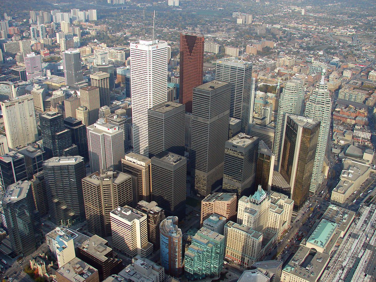 Downtown Toronto from the CN Tower in 2007.jpg