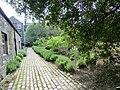 Dunbar's Close Gardens Edinburgh - panoramio (8).jpg