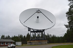 EISCAT - EISCAT Sodankylä receiver antenna (diameter 32m) after conversion to 224 MHz (crossed dipole replaced Cassegrain subreflector at focal point)