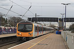 Ealing Broadway - Heathrow Connect 360204 down service