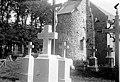 Eglise - Abside, cimetière au premier plan - Echinghen - Médiathèque de l'architecture et du patrimoine - APMH00029005.jpg