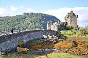 Eilean donan castle Schottland.jpg