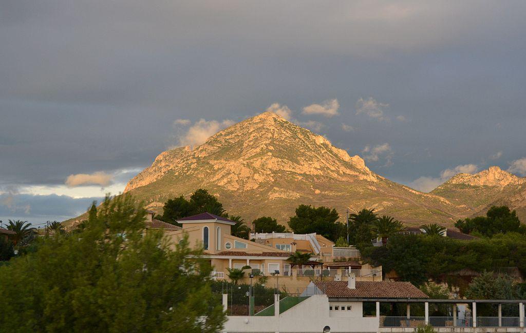 El Puig Campana des de l'autopista.JPG