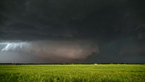 2013 El Reno tornado - View of the tornado from the southeast at 6:28 p.m. CDT (2328 UTC) as it was nearing peak strength