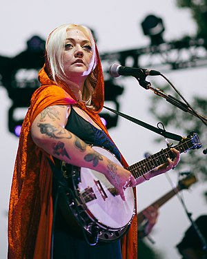 Elle King - Elle King performs at the 2015 Interstellar Rodeo in Edmonton.