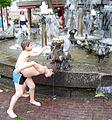 Elwetritschen-Brunnen in Neustadt 05.jpg