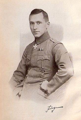 Ernst Jünger - Ernst Jünger in uniform as depicted in the frontispiece of the 3rd edition of In Stahlgewittern (1922).