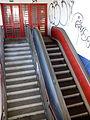 Estación Coslada Central, escaleras mecánicas, Coslada, Madrid, España, 2015.jpg