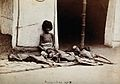 Famine in India; five emaciated children; a girl sitting and Wellcome V0029718.jpg