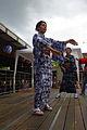 Femme dansant le Bon Odori 3.JPG