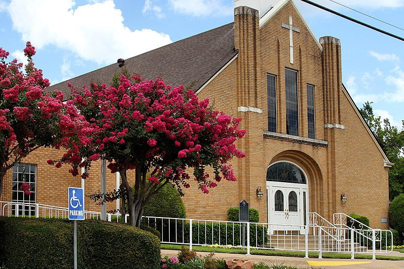 File:First Baptist Church of Wills Point.jpg