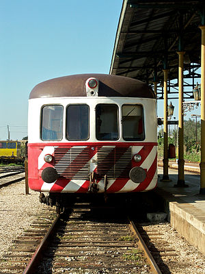 Portuguese train type 0100 - 0113 at Casa Branca station