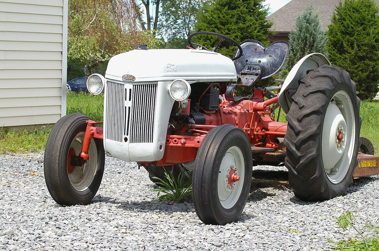 Ford Tractor 800 Series Front Bumper : File ford tractor g wikimedia commons