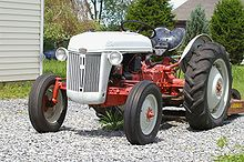 A Ford N series tractor & Ford Motor Company - Wikipedia markmcfarlin.com
