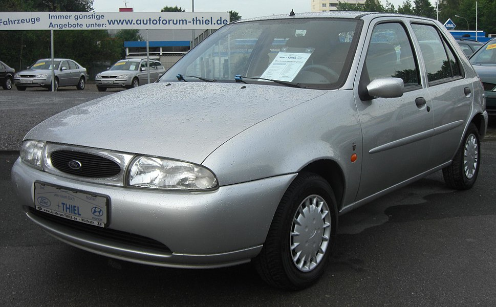 Ford Fiesta MK4 (1995-1999) front