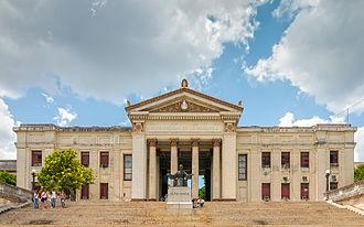 University of Havana - Image: Front view of Universidad de La Habana