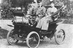 Alexandrina Cantacuzino - Alexandrina and husband Grigore Gheorghe Cantacuzino in the family car, August 1900