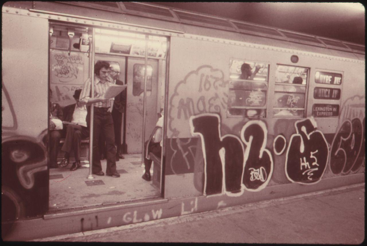 File:GRAFFITI ON A SUBWAY CAR ON THE LEXINGTON AVENUE LINE ...