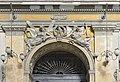 Galleria Umberto I Napoli timpano con angeli.jpg