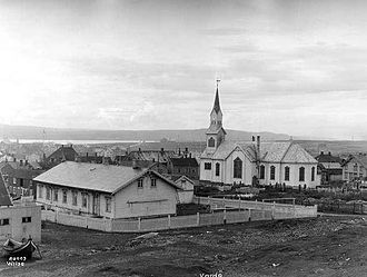 Vardø (town) - View of Vardø Church in 1933, before the town was burned down in World War II