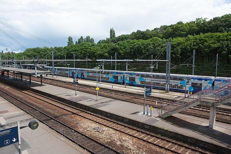 File:Gare d'Evreux - 2016-06-15 - IMG 1352.jpg