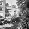 Gedeelte naast de voorgevel van het hoofdgebouw met klokkentorentje - Venlo - 20341031 - RCE.jpg
