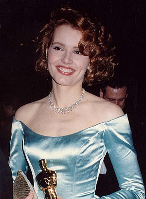 Geena Davis - Davis at the 61st Academy Awards in 1989