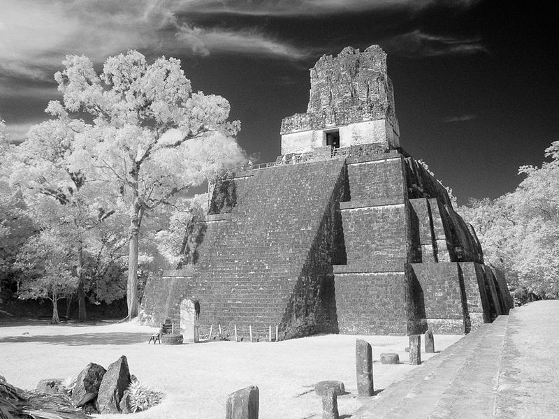 File:Great Plaza - Temple II (3266797511).jpg