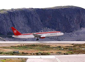 Kangerlussuaq Airport - Image: Greenlandair 757 236 OY GRL