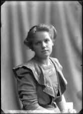 Greta Almroth, porträtt - SMV - GA034.tif