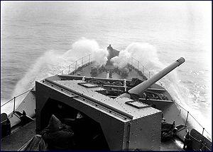 4.7 inch QF Mark IX & XII - Image: HMCS Assiniboine bows NF 402