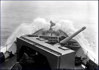 QF 4.7-inch Mk IX & XII naval gun - Image: HMCS Assiniboine bows NF 402