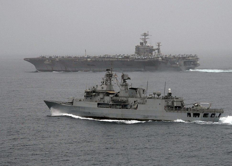 HMNZS Te Mana (F111) alongside USS Abraham Lincoln (CVN 72), 30 July, 2008