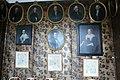 Haarlem-Hofje van Noblet-5 ovale portretten.jpg