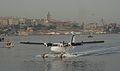 Haliç'e yeni iniş yapan bir deniz uçağı - Mayıs 2013.JPG