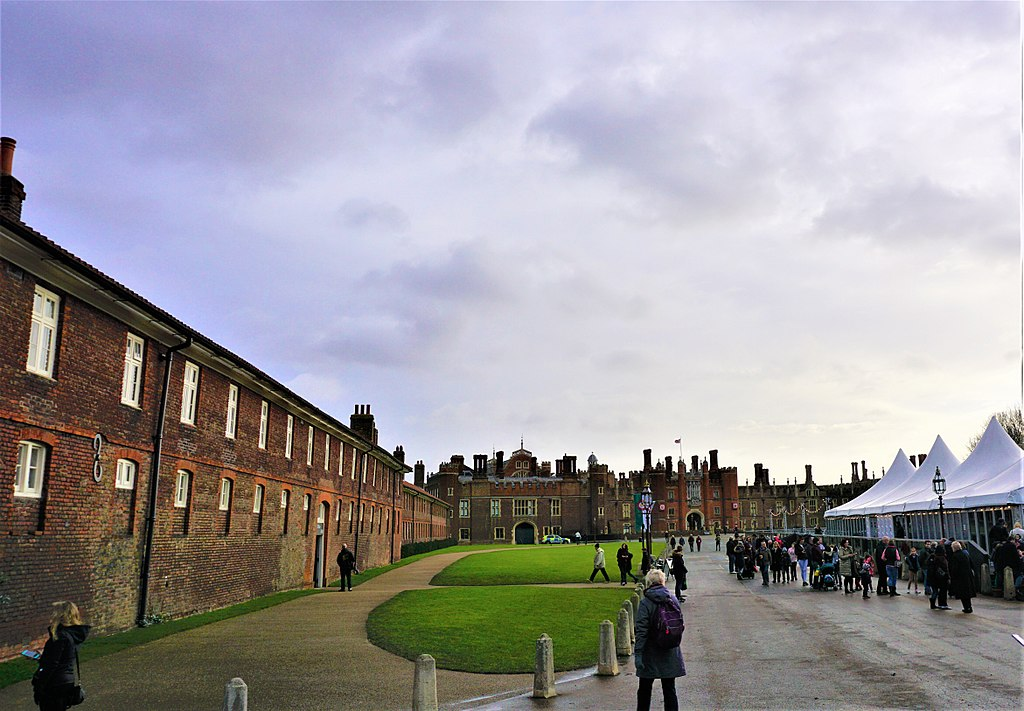 Hampton Court Palace - Joy of Museums 2