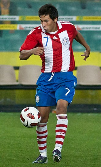 Hernán Pérez (footballer) - Pérez in action for Paraguay in 2010.