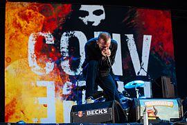 Vocalist Bannon live (2014)