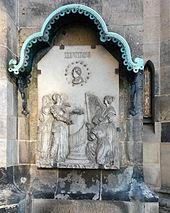 Gedenktafel für Johann Adam Hiller, Nordwestecke der Thomaskirche, Leipzig (Quelle: Wikimedia)