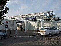 Hillingdon stn entrance.JPG