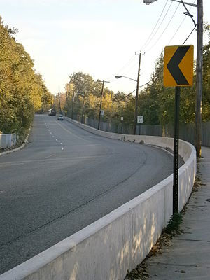 County Route 505 (New Jersey) - Anthony M. DeFino Way along the face of the Palisades