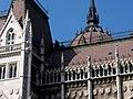 Hungarian Parliament, south, detail, 2013 Budapest (380) (13227817364).jpg
