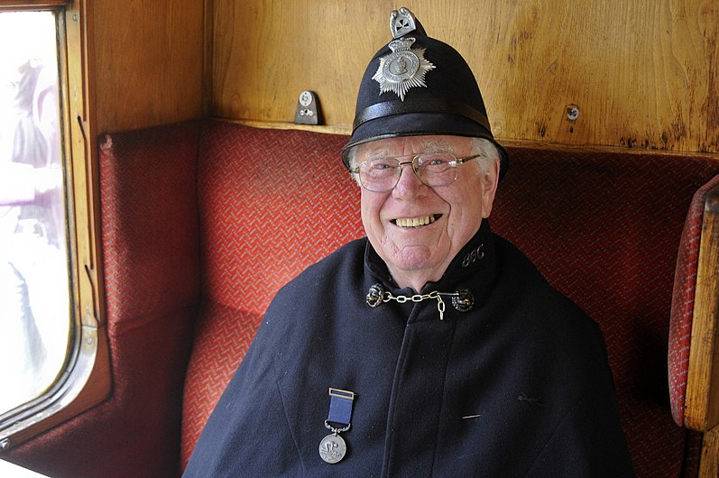 I know a fat old policeman (4028365435).jpg