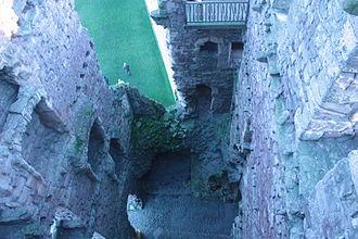Tantallon Castle - Inner court, void above entrance