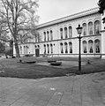 Invalidenhuis, Bronbeek gedeelte voorgevel - Arnhem - 20025035 - RCE.jpg
