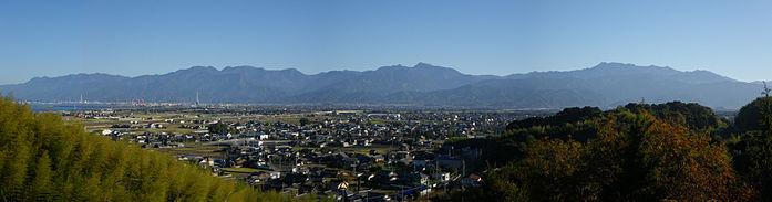 Ishizuchi Mountains from Mt.Setayama.jpg