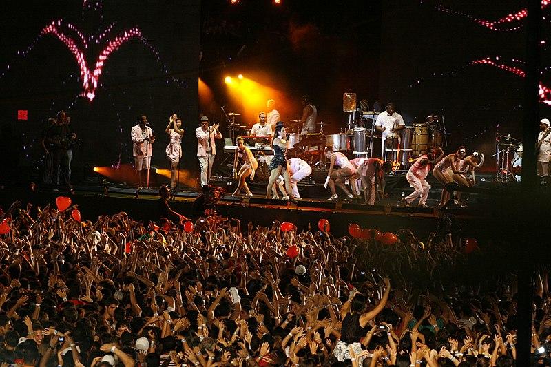 Ficheiro:Ivete no Festival de Verão 2010.jpg