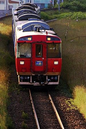 Sarobetsu (train) - Sarobetsu KiHa 183 series DMU with additional Japanese seating car leading, October 2007