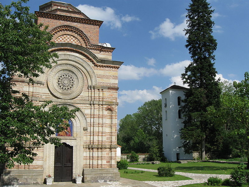 Manastiri Srbije - Page 2 800px-Kaleni%C4%87_%E2%80%93_crkva_sa_zvonikom